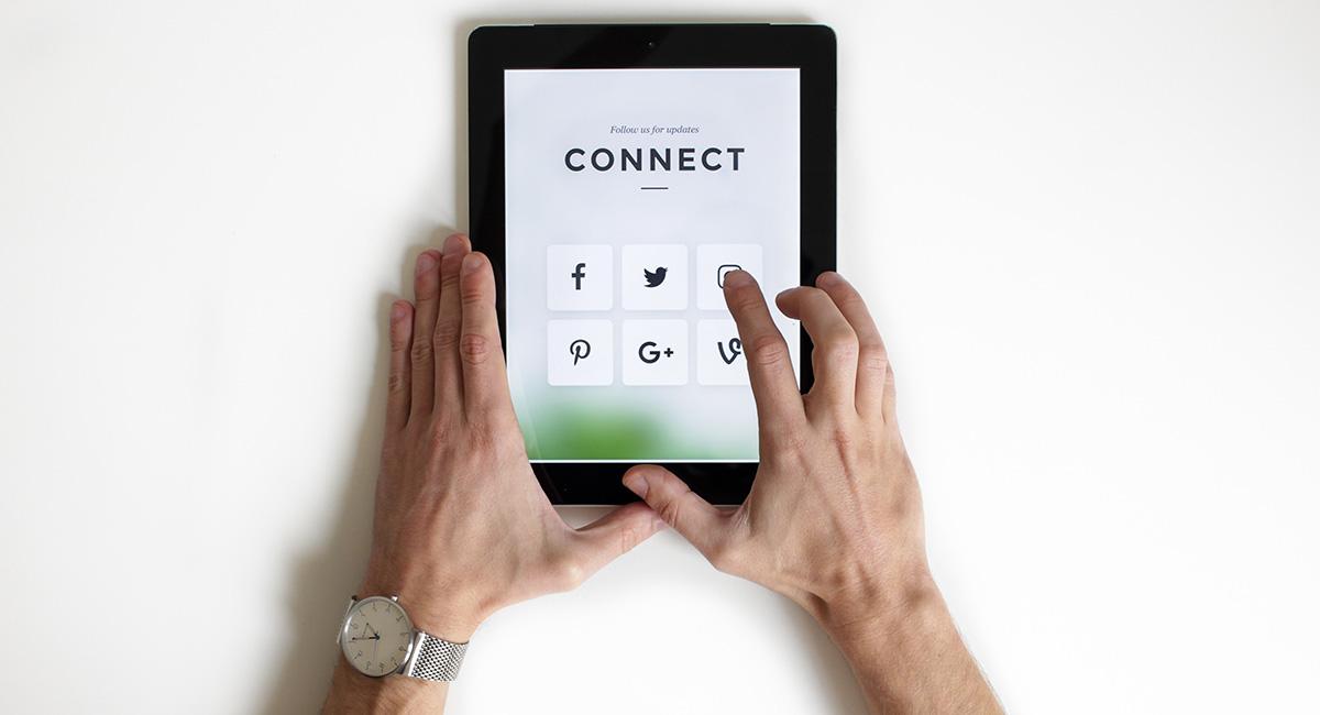 reseau-sociaux-trouver-emploi-rapidement-en-ligne